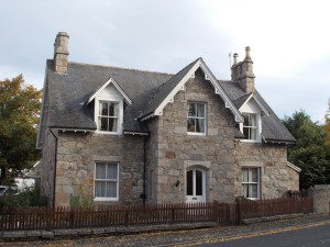 Treasure Island Cottage - Braemar